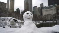 Un bonhomme de neige à Central Park, New York le 21 mars 2018