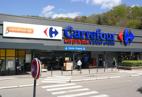 CARREFOUR signe 2 accords sur l'accompagnement social du plan de transformation