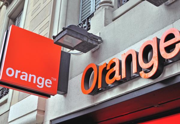 ORANGE cible le marché des communications gouvernementales par satellite