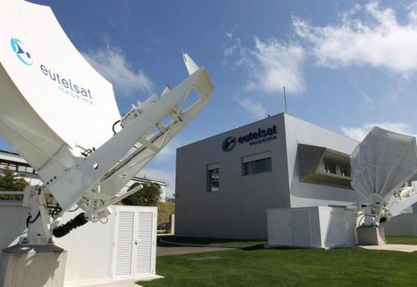 Eutelsat signe avec Global Technologies