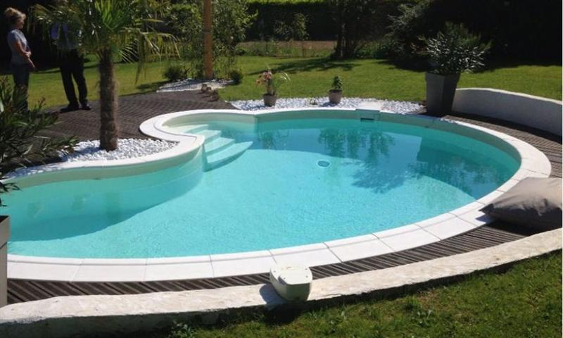 Piscine non enterree piscine acier enterr e rectangle for Piscine semi enterree desjoyaux