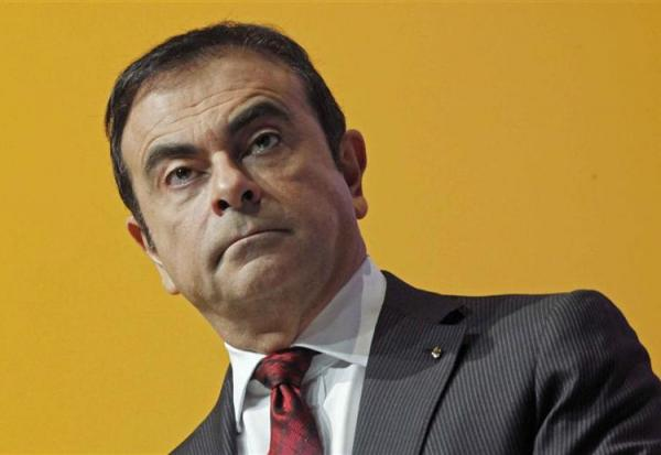 Renault plonge, Carlos Ghosn sur la sellette