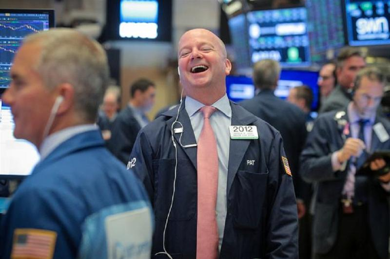 Wall Street grimpe encore, ignorant l'incertitude de l'élection