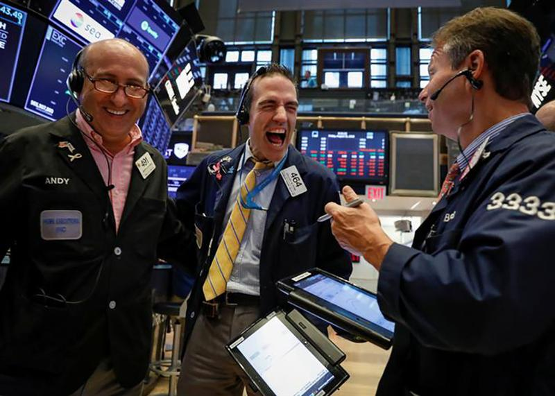 Wall Street grimpe, ignorant l'incertitude entourant le Brexit