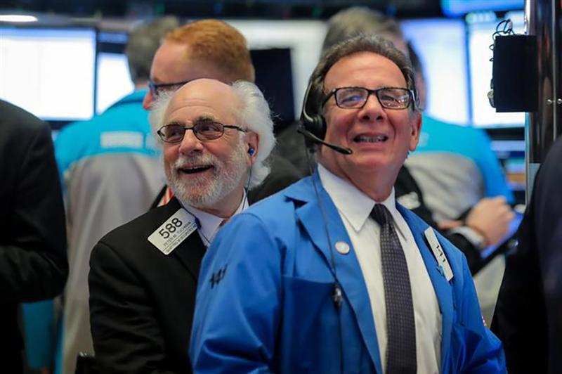 Wall Street redouble de prudence, avant la Fed et les midterms