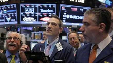 Wall Street se redresse, discussions en vue entre Pékin et Washington